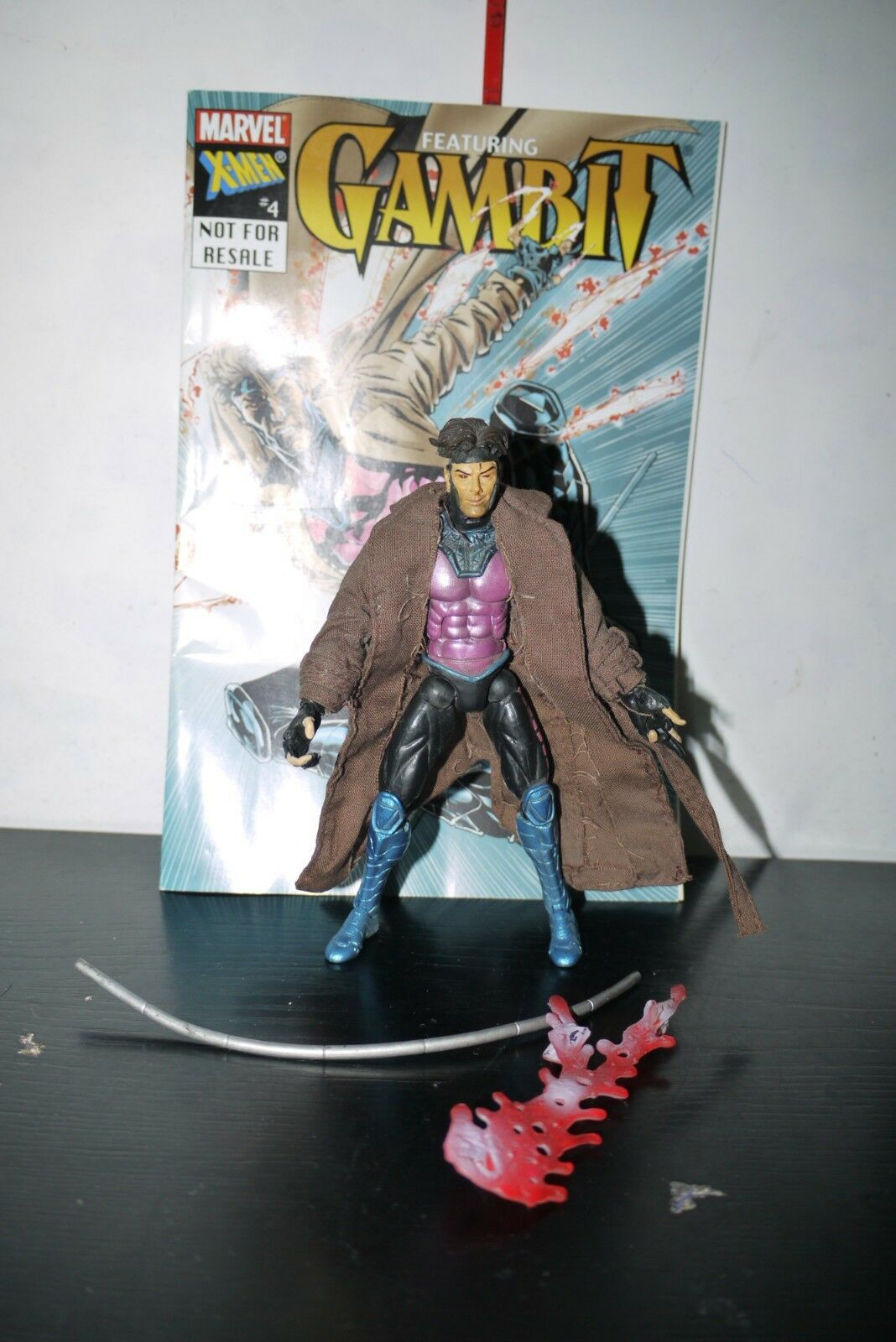 TOYBIZ MARVEL LEGENDS SERIES IV GAMBIT FIGURE
