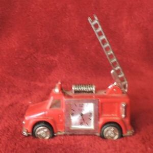 Vintage-Red-Fire-Truck-Clock