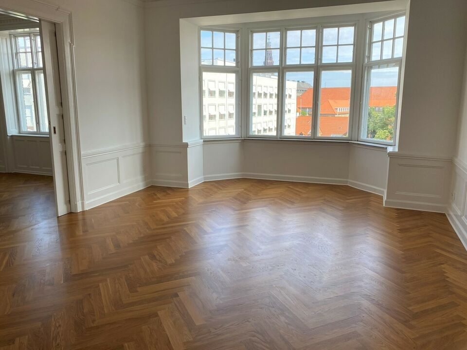 1552 vær. 5 lejlighed, m2 178, Vester Voldgade