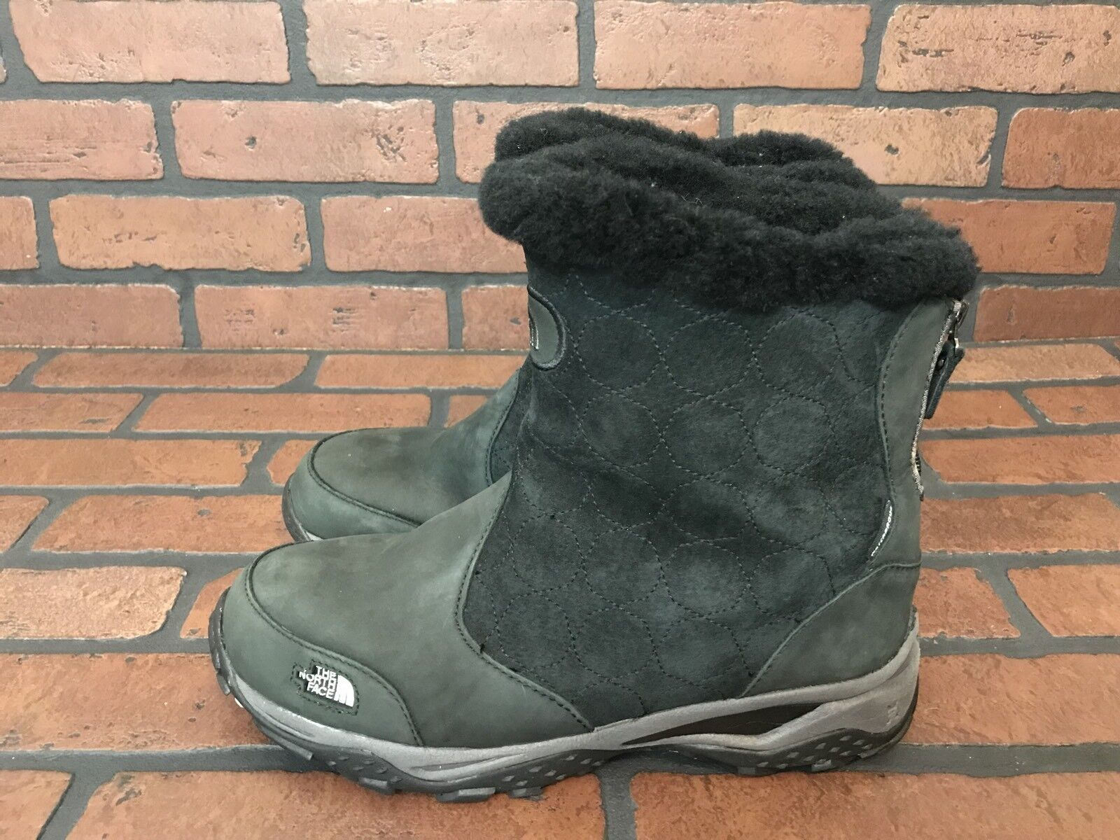 The North Face Black Hiking Winter Fur Boots Primaloft Size 9.5