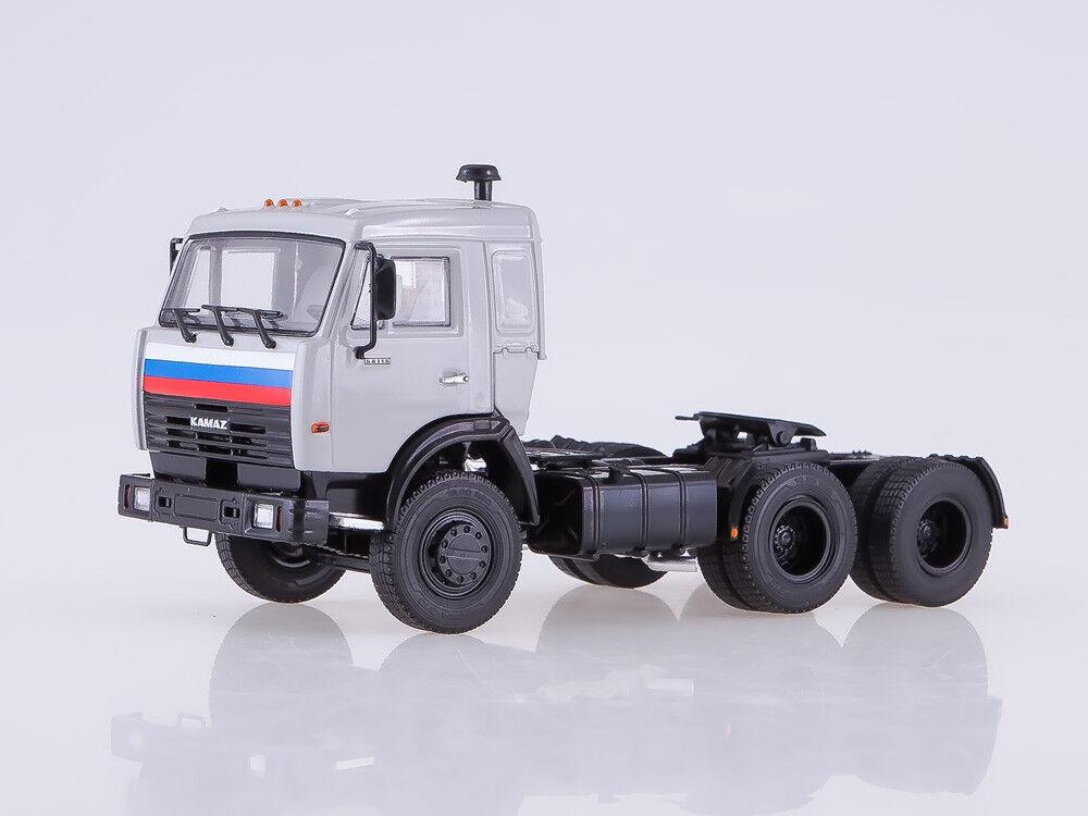 Escala modelo 1 43 Kamaz - 54115 Camión Tractor