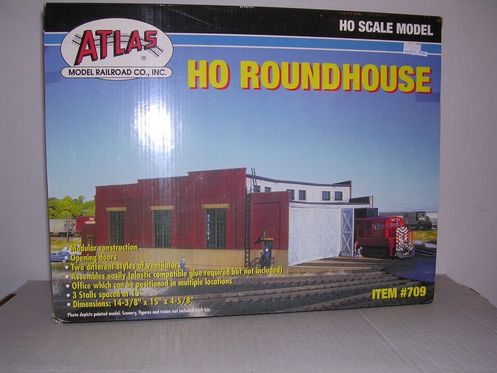 ATLAS Stall Engine Roundhouse w Opening Doors - Building Kit  H.O. 1 87