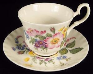 Roy-Kirkham-039-Richmond-039-Floral-Bouquet-Fine-Bone-China-Cup-amp-Saucer