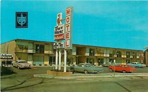 Lanesville-Ohio-Town-House-Motel-And-Restaurant-NICE-1950-60s-Cars-Postcard