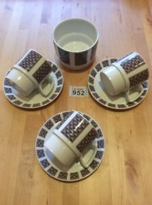 Vintage-Checkers-Design-Cups-and-Saucers-x-3-amp-Bowl-by-H-Aynsley-amp-Co-Ltd