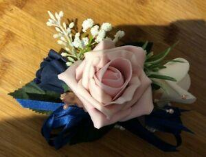 Ladies-Wedding-Wrist-Corsage-Navy-Blue-Blush-amp-White-Roses-with-Gyp-amp-Pearls