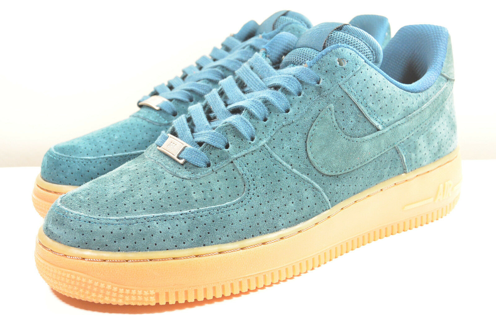 DS NIKE 2015 AIR FORCE 1 SUEDE TEAL M 7.5   WMN 9 SUPREME HYPERFUSE VINTAGE
