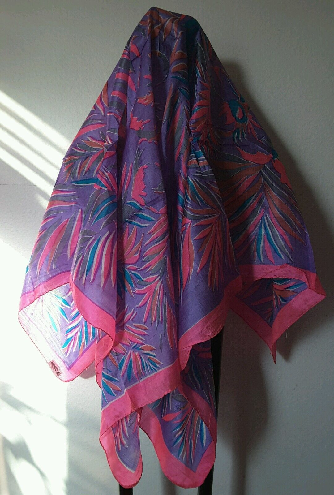 Nwt vtg 80s Pink Large silk scarf Miami colors golden girls, floral 90s India L