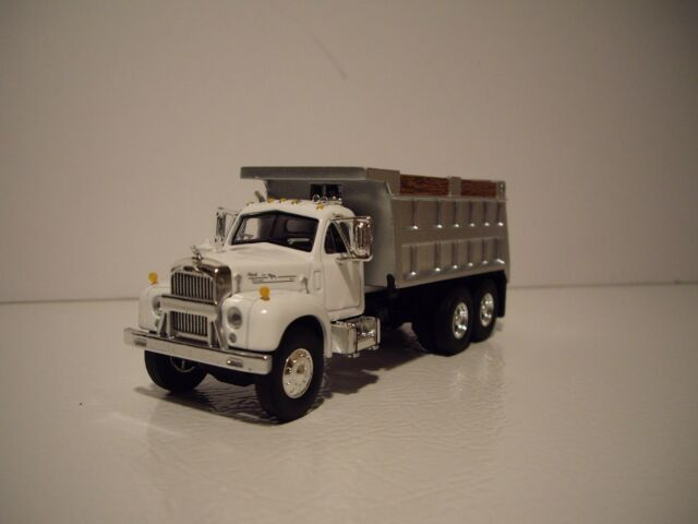 first gear 1 64 newly tooled white and silver mack b 61 dump truck 1960 Mack B Model first gear 1 64 new white and silver mack b 61 dump truck dcp