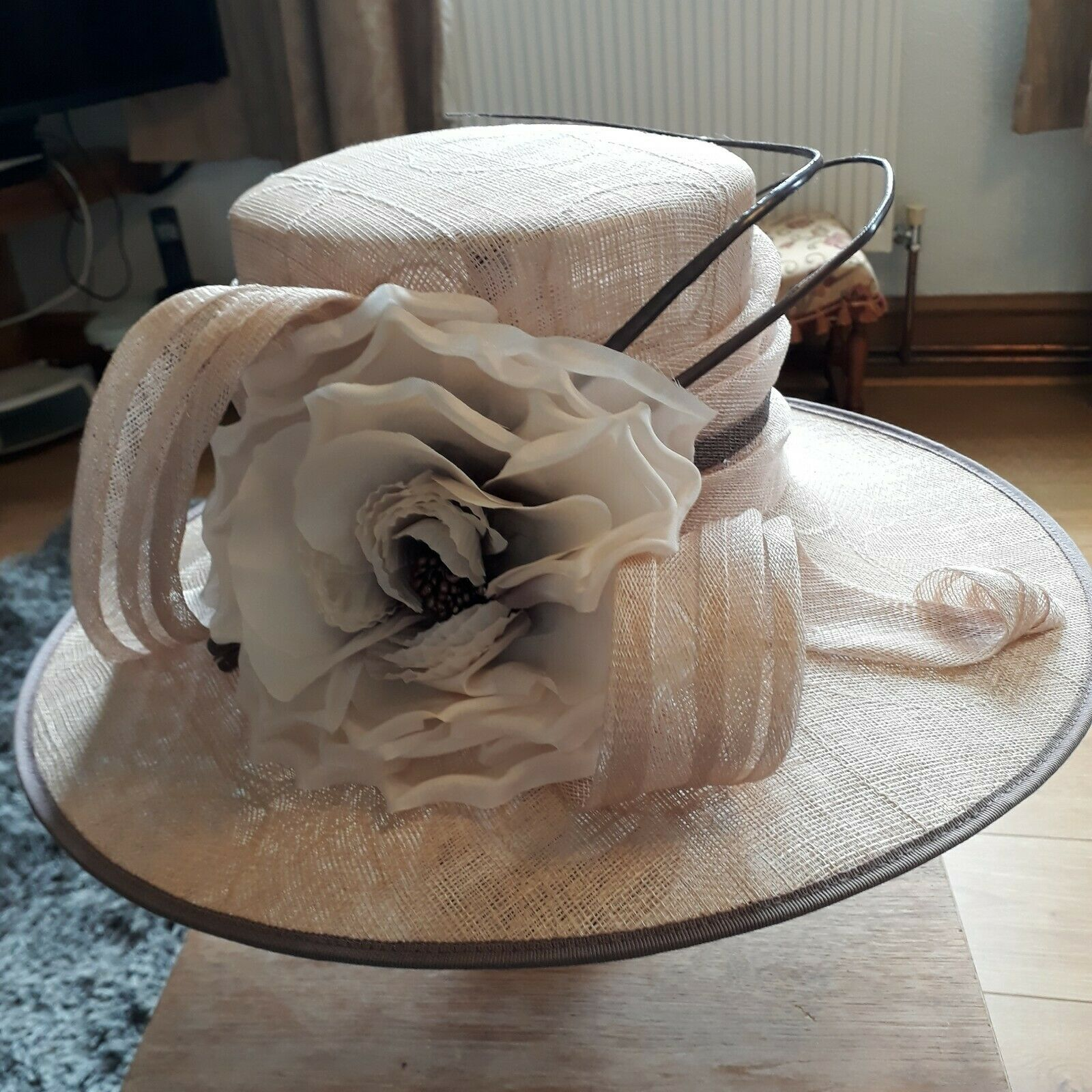 Lovely Jacques vert wedding formal races ascot hat in soft peach and brown trim