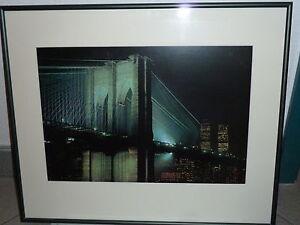 Brooklyn Bridge bei Nacht mit Alurahmen - Bornheim, Deutschland - Brooklyn Bridge bei Nacht mit Alurahmen - Bornheim, Deutschland