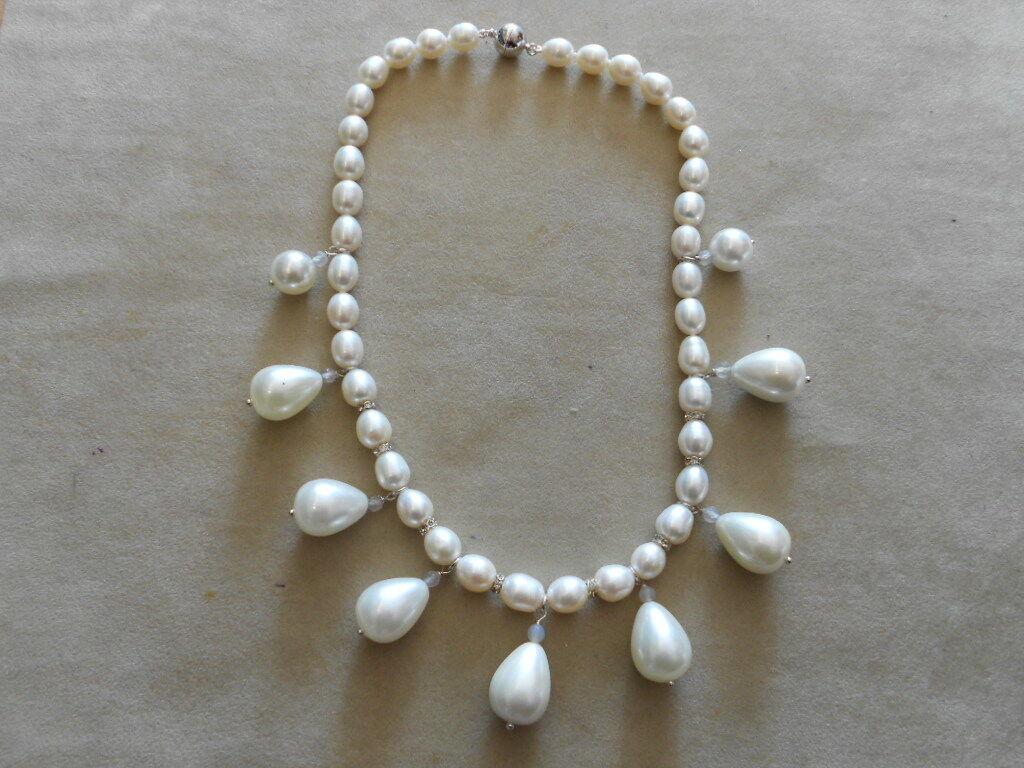 Traumhaftes Perlencollier mit Tropfenperlen NEU