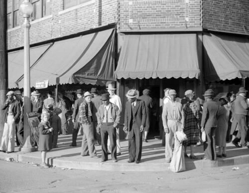 """Mississippi Old Photo 8.5/"""" x 11/"""" Reprint Clarksdale 1939 Saturday Afternoon"""