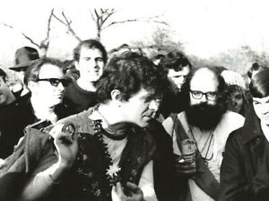 BEAT-POETS-GREGORY-CORSO-ALLEN-GINSBERG-NYC-1967-BEAT-WRITERS-PHOTO-POSTCARD-93