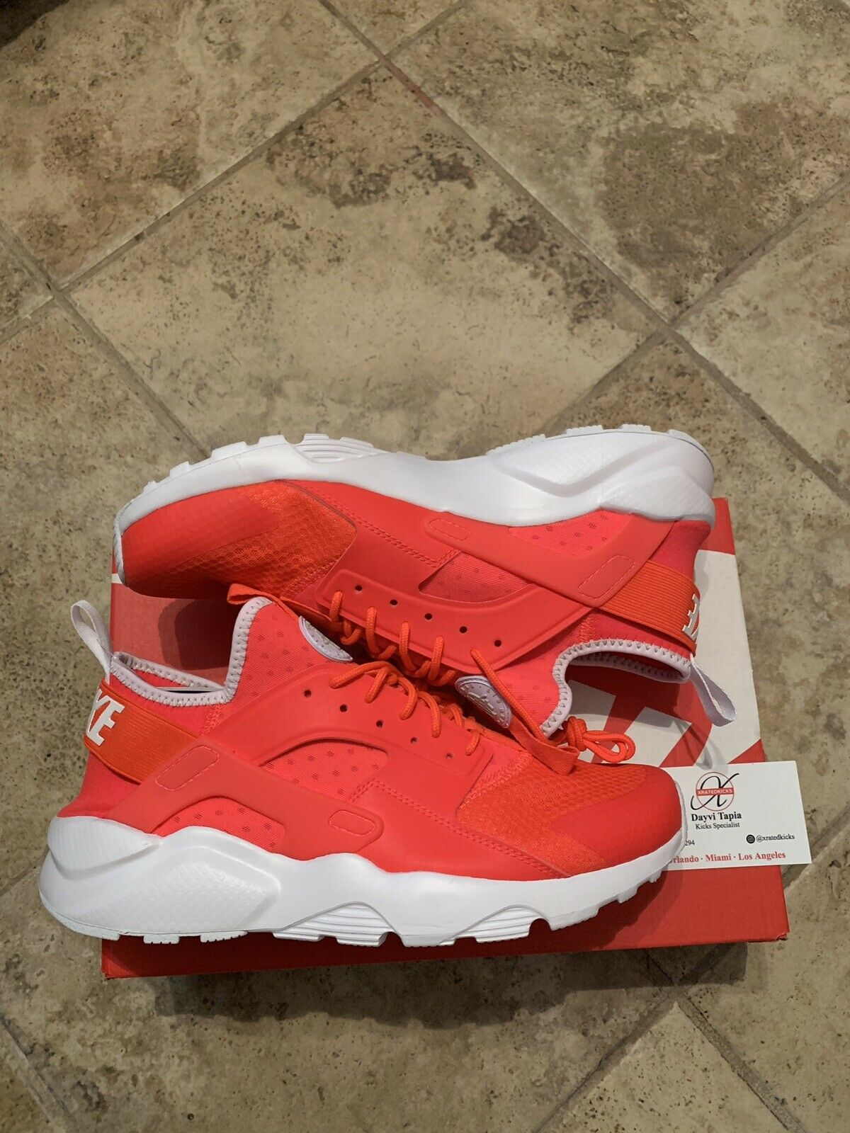 Nike herr Air Huarache Kör Ultra Crimson vit män män män Storlek 9  snabba svar