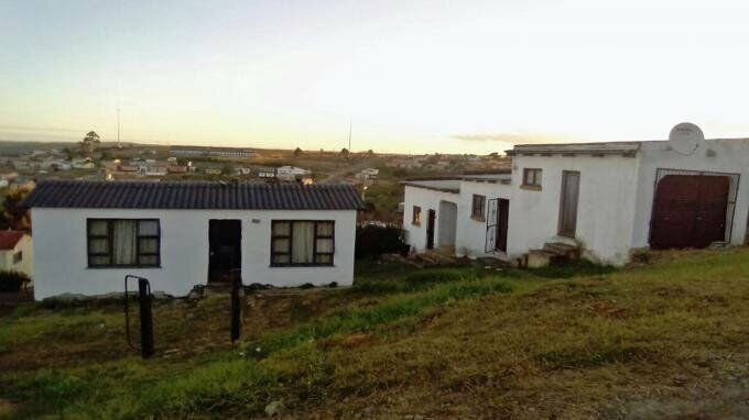 2 Bedroom with 1 Bathroom House For Sale in East London Eastern Cape