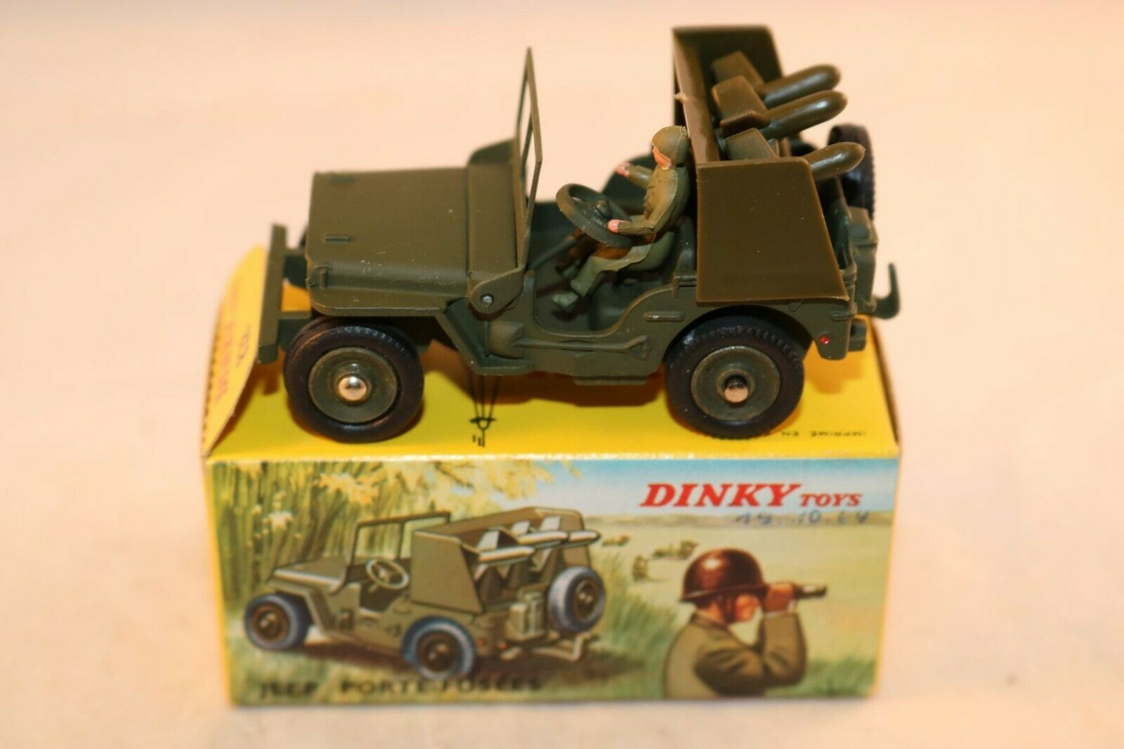 Dinky Toys 828 Jeep Porte Fusees SS 10 mint in box all original condition