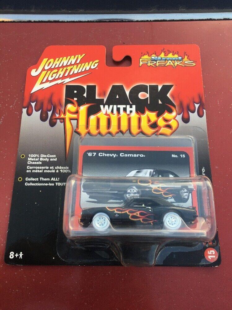 Johnny Lightning blanc Lightning'67 Chevy Camaro Noir avec flammes Chase avec prouge