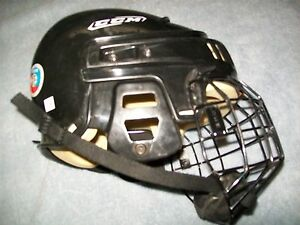 CCM 492 HOCKEY HELMET W/ MATCHING CAGE, CERTIFIED AND READY TO USE IMMEDIATELY