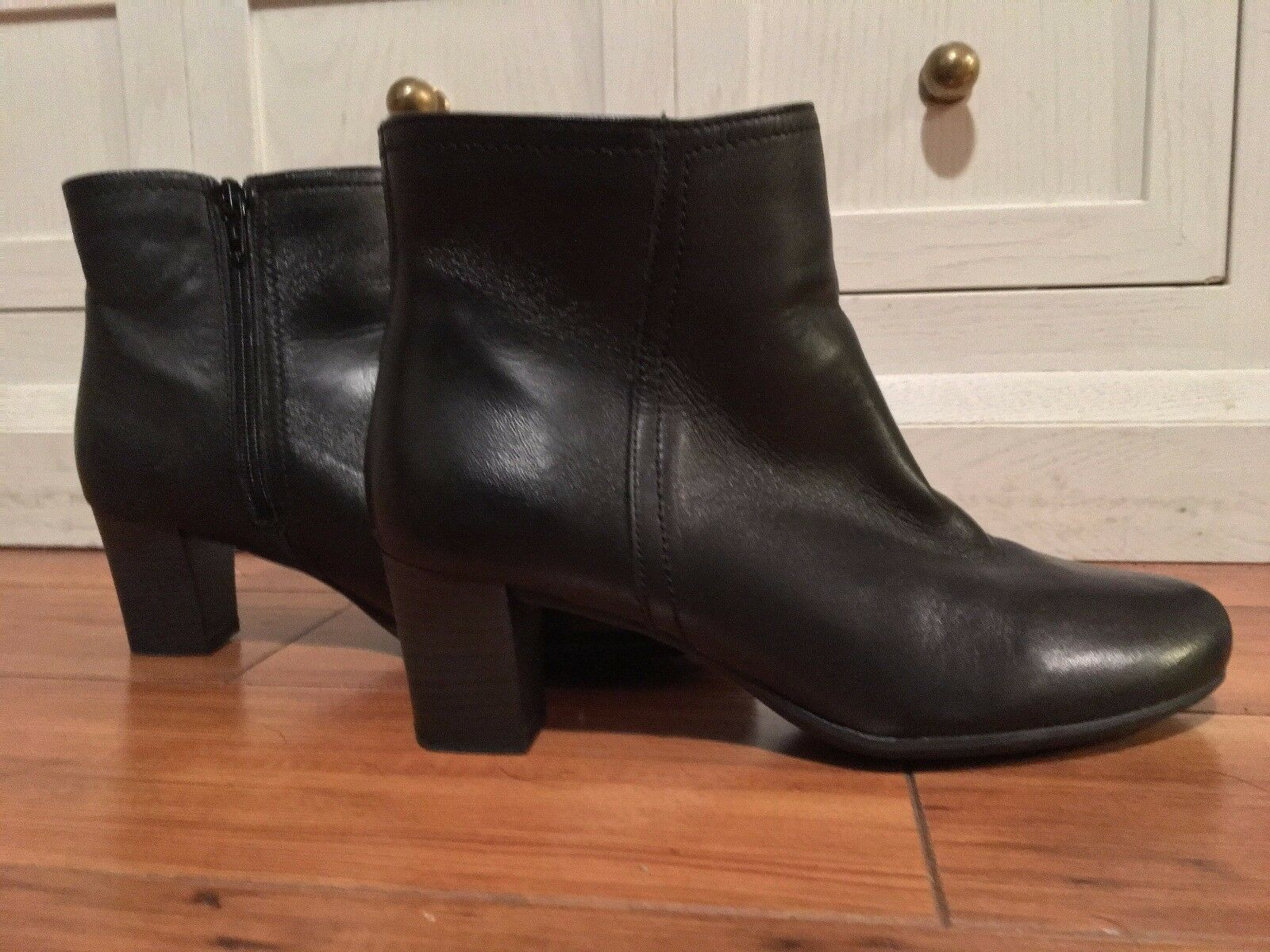 Frau - Black Italian Leather Boots size 37 (only worn once around house)