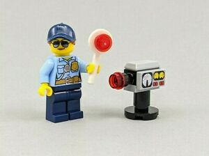 Lego City Female Traffic Cop limited edition Minifigure