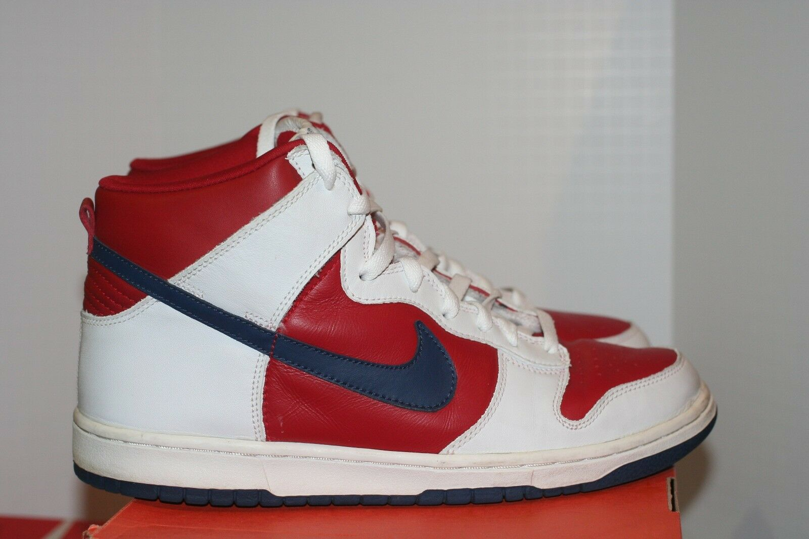 Nike Dunk High Team USA Sz 10 New England Patriots 76ers White Varsity Red Rapid