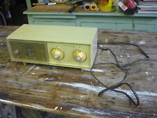 VINTAGE ZENITH ALARM CLOCK RADIO WORKS MODEL E258P-1