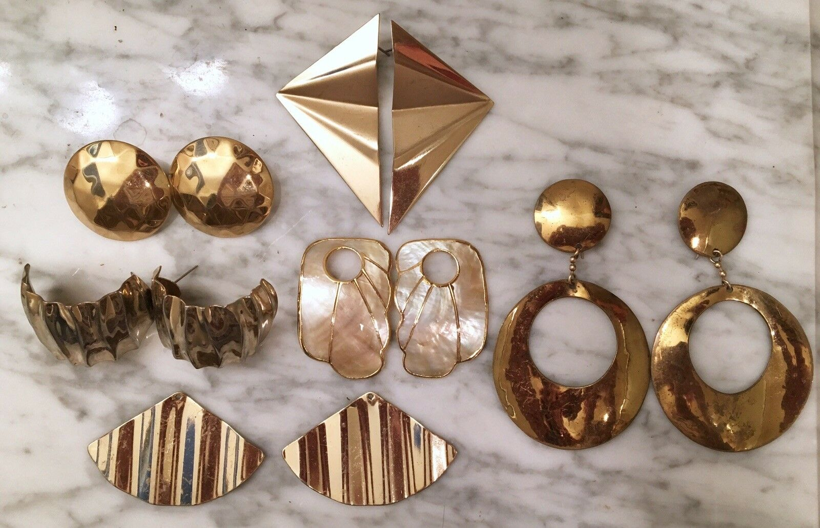 Vintage Lot Of 6 gold Tone Mother Of Pearl Like Texture Earrings Dangle Jewelry