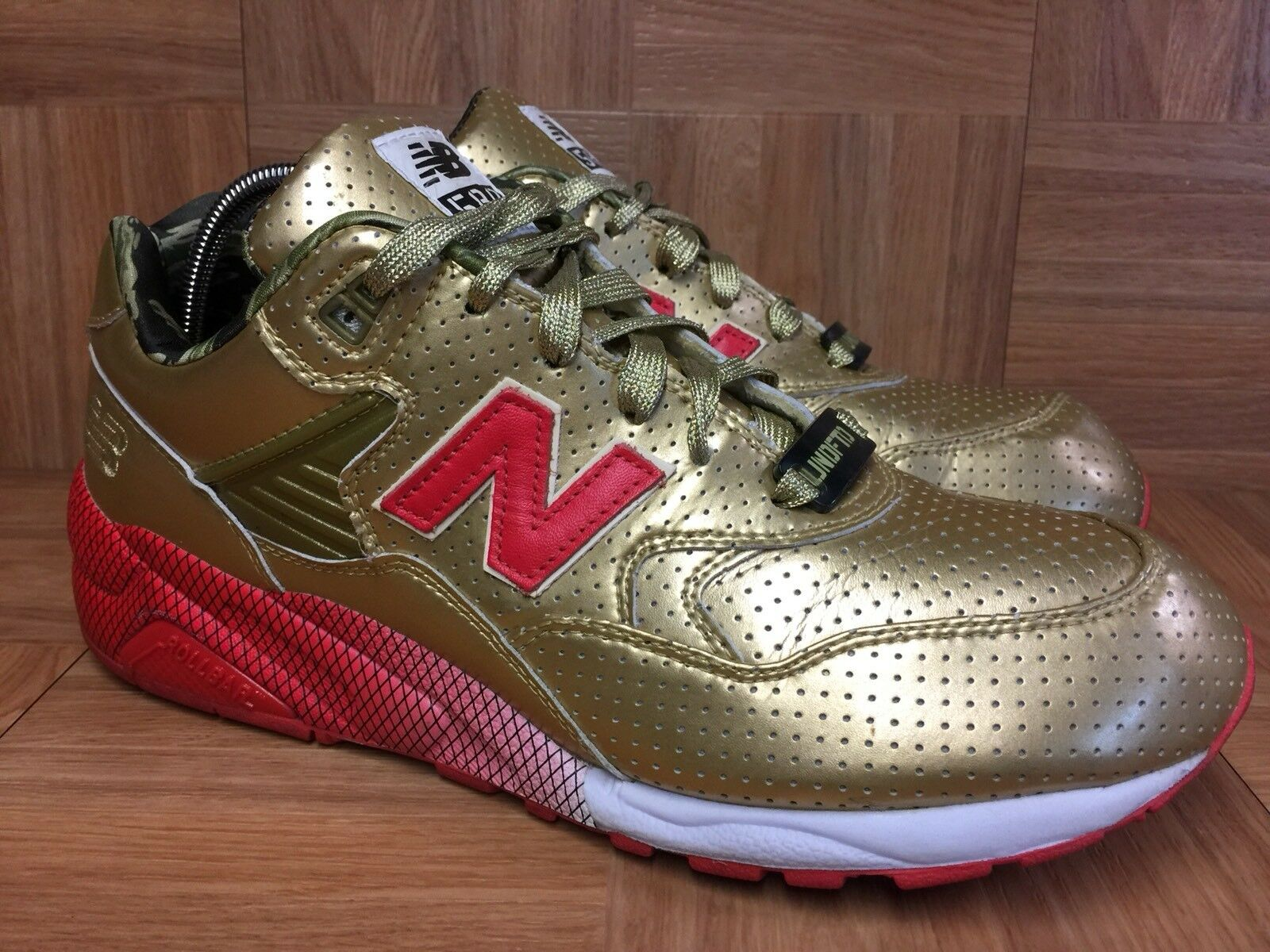 RARE New Balance MT580 X Undefeated X Stussy Metallic gold Red Sz 11 Trainers