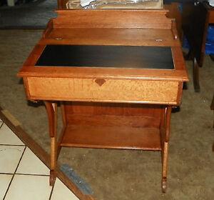 Quartersawn-Oak-Slant-Top-Desk-DR15