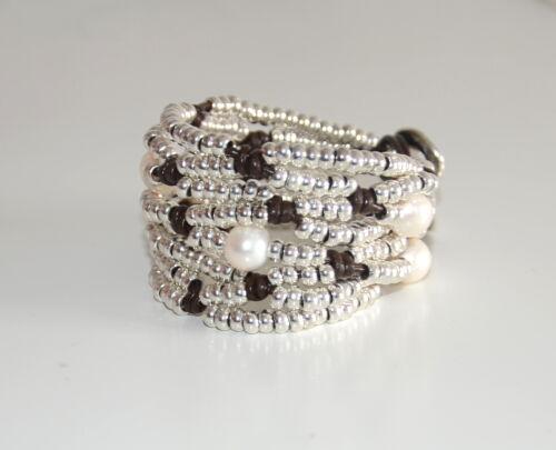 uno diferente de 50,pulsera de  cuero y perla hecha a mano Pulsera de mujer