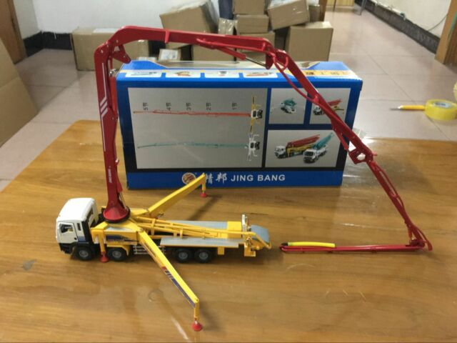 Construction Vehicle Concrete Pump Truck White//Blue 1//50 Die-Cast Metal Model