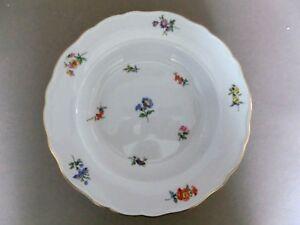 Meissen-Suppenteller-tiefer-Teller-Streubluemchen-Blume-Goldrand
