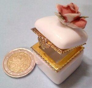 Ebay Bomboniere Matrimonio.Dettagli Su Bomboniere Matrimonio Comunione Cofanetto Ceramica Porcellana Rose Cresima