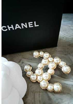 Auth CHANEL Cambon 15V XL Large Pearl CC Logo Pin Brooch NEW in box