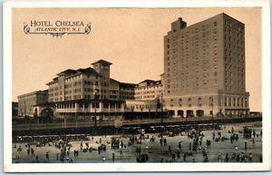 Atlantic-City-New-Jersey-Postcard-HOTEL-CHESLEA-Beach-Scene-Boardwalk-Lumitone