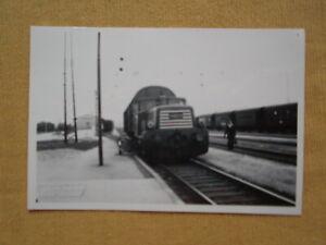 7143 Pressefoto ÖBB Diesellok 2060.77 in Pöchlarn um 1964