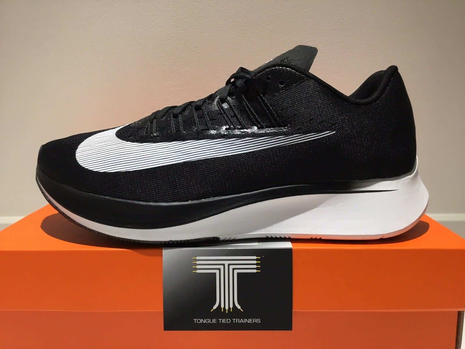 Nike Zoom Fly  880848 001  Size 9