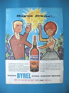 PUBLICITE-DE-PRESSE-BYRRH-BYREL-APERITIF-BOIRE-C-039-EST-RESTER-JEUNE-AD-1970