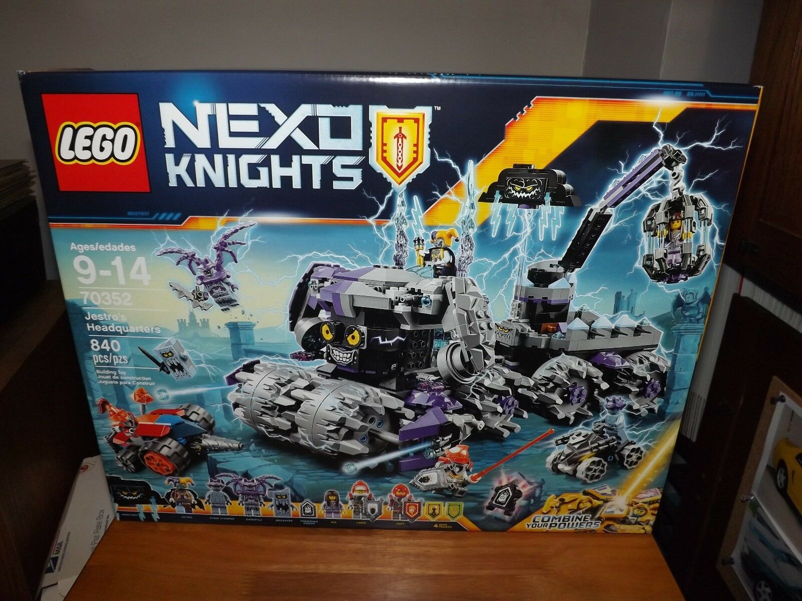 LEGO, NEXO KNIGHTS, JESTRO'S HEADQUARTERS, KIT  70352, 840 PIECES, NIB, 2017