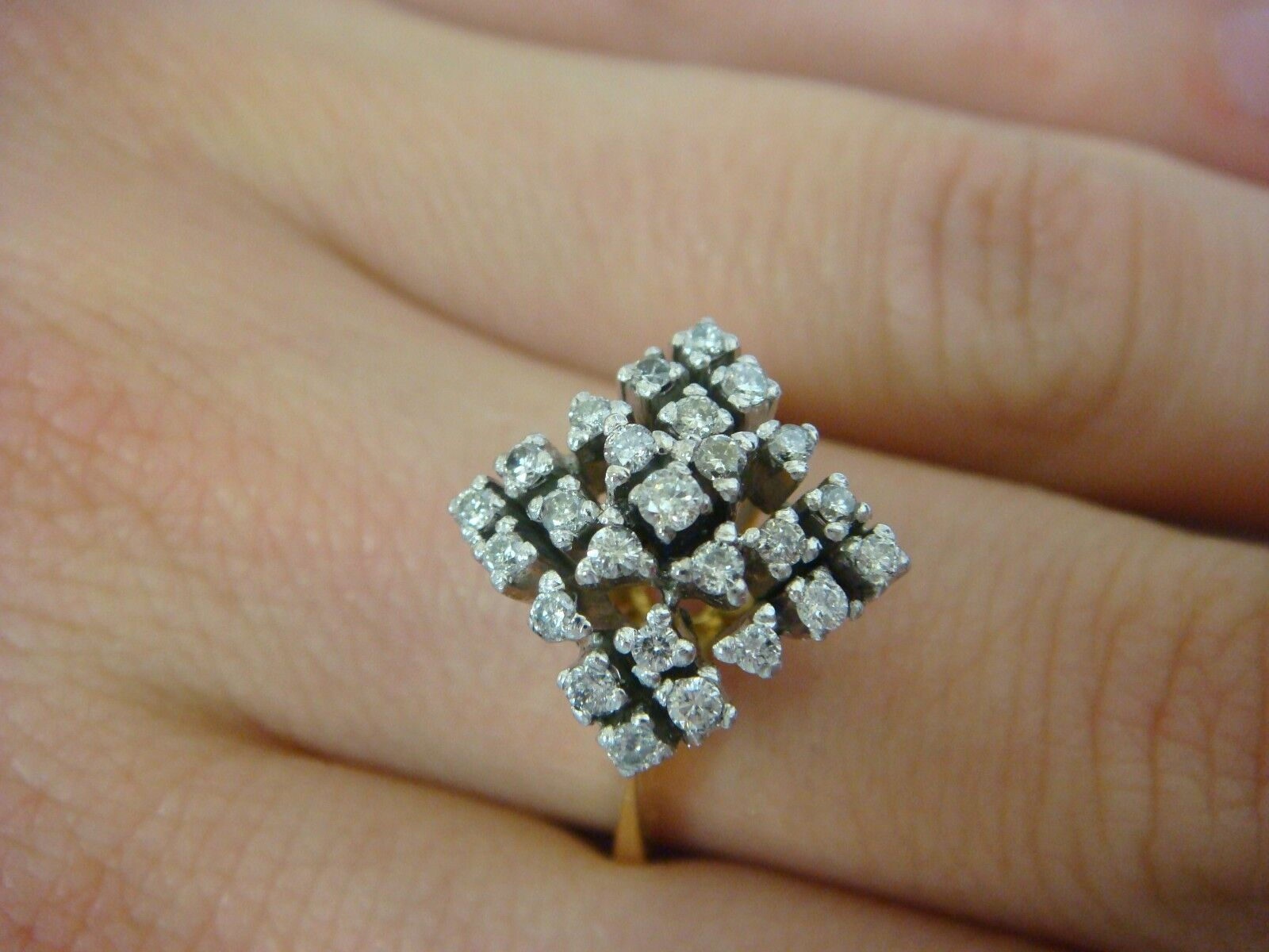 18K YELLOW gold 0.50CT T.W.  VINTAGE CLUSTER LADIES RING 4.3 GRAMS SIZE 7