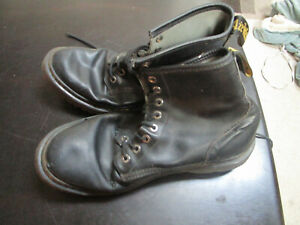 MENS  DR MARTENS AIR WAIR  LEATHER COMBAT BOOTS  SIZE 12
