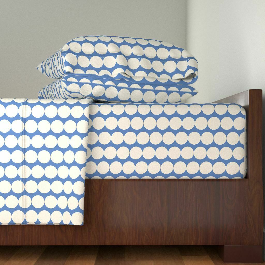 Mod Dots Modern Home Decor blu And 100% Cotton Sateen Sheet Set by Roostery