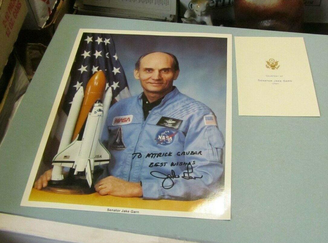 s l1600 - Jake Garn NASA Astronaut US Utah Senator Autograph Signed Photo 8x10 + Card Env