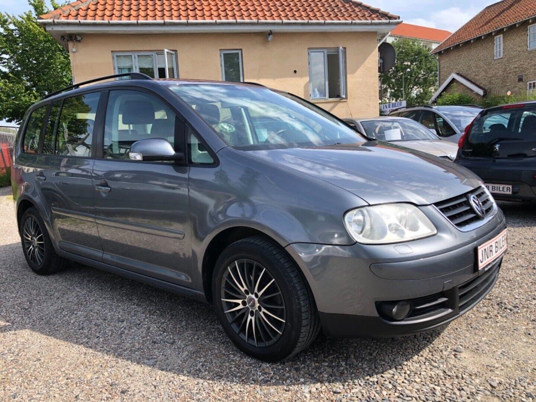 VW Touran 2,0 TDi 140 Trendline 5d - 43.900 kr.