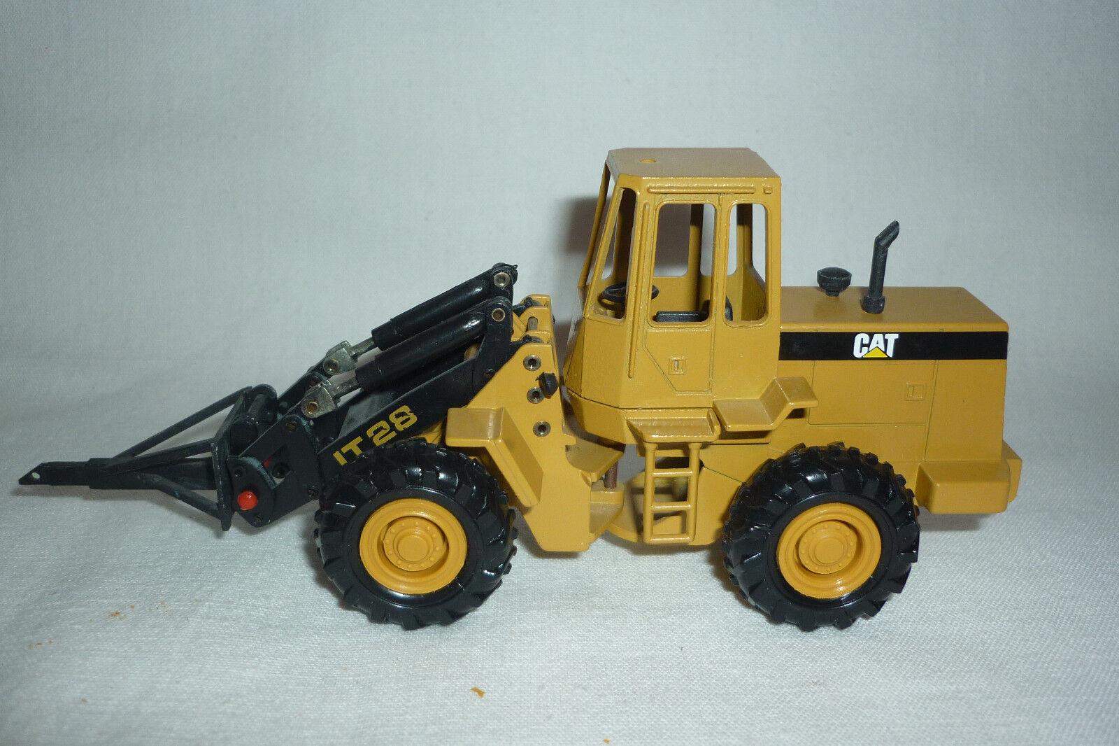 Conrad - Metal Model - Caterpillar Cat It 28 - Radlader - 1 50 - (7.BM-131)