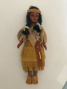 Vintage-Native-American-Indian-Woman-Doll-Leather-Beaded-Clothes-Sleepy-Eyes