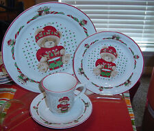 TIENSHAN COUNTRY BEAR TEDDY  THEODORE CHRISTMAS 4 PIECE PLACE SETTING EC    vtm