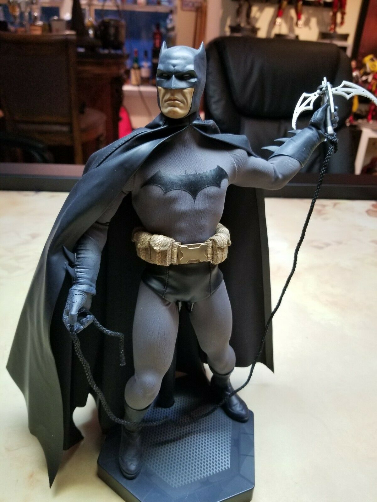 "SIDESHOW Gotham Knight Batman 1/6 scale 12"" figure  on eBay thumbnail"