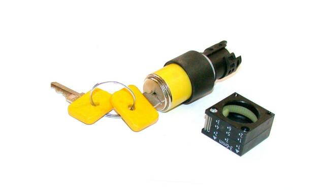 Siemens Yellow Key Operated Switch Model 3sb3000-3ak01 (3 Available)